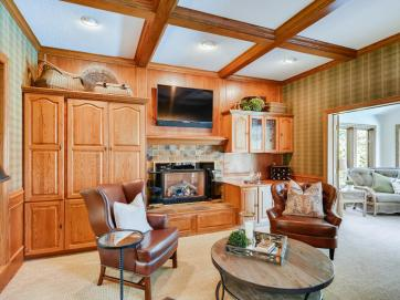 2000 Autumn Place Roseville MN-009-007-Family Room-MLS_Size