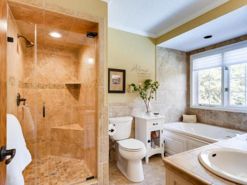 2000 Autumn Place Roseville MN-016-017-2nd Floor Master Bathroom-MLS_Size